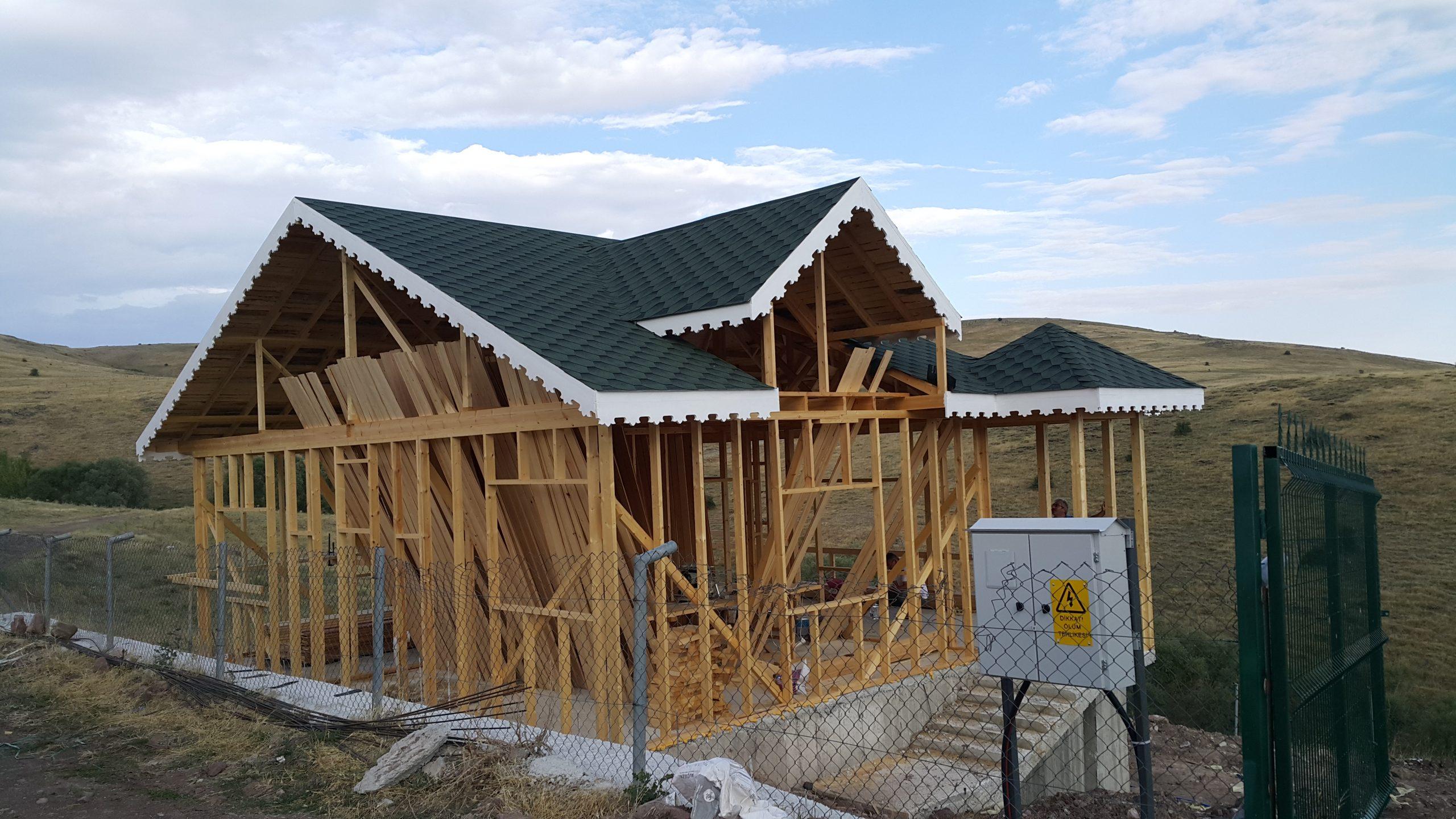 Lezgi Hobi Evi Ahşap Yapımı ve Çatı Uygulaması